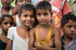 21520206-agra-india-juli-18-a-young-unidentified-group-of-cheerful-indian-boys-posing-in-front-of-the-camera