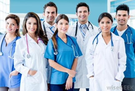 group-of-doctors-standing-and-smiling